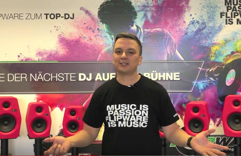 Inhaber Karl Boltz begrüßt zum ersten Video aus der DJ-Schule Ludwigsburg